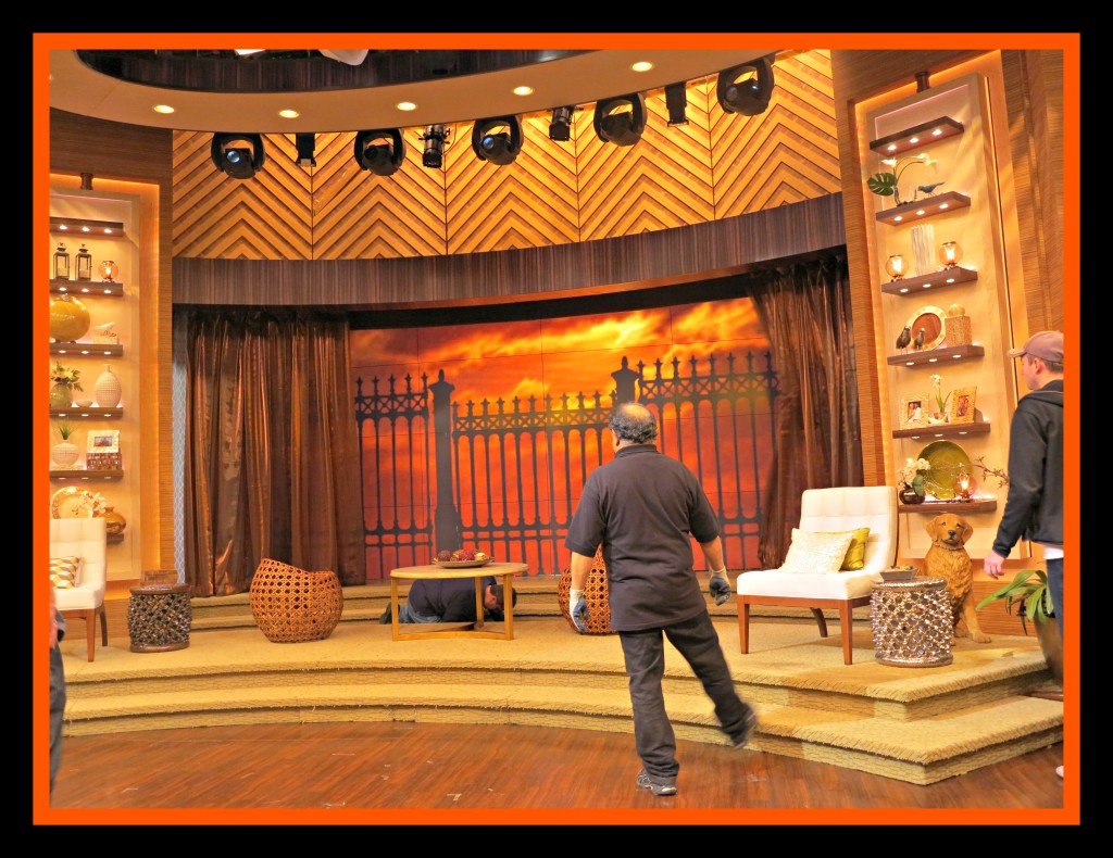 Live! With Kelly and Michael Set Photo Credit: Debbie Mitchell